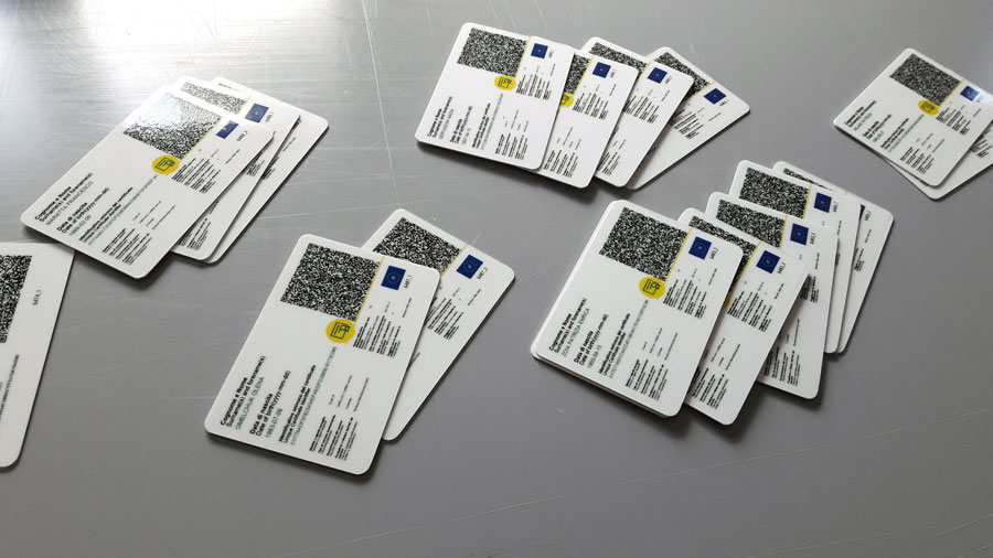 Green pass plastificato stampato su card in pvc.